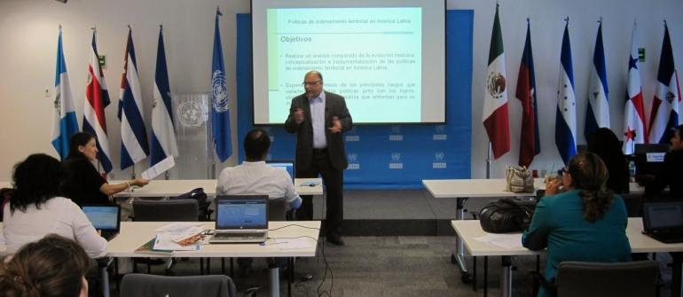 Políticas de ordenamiento territorial en América Latina, CEPAL/ILPES, México D.F.